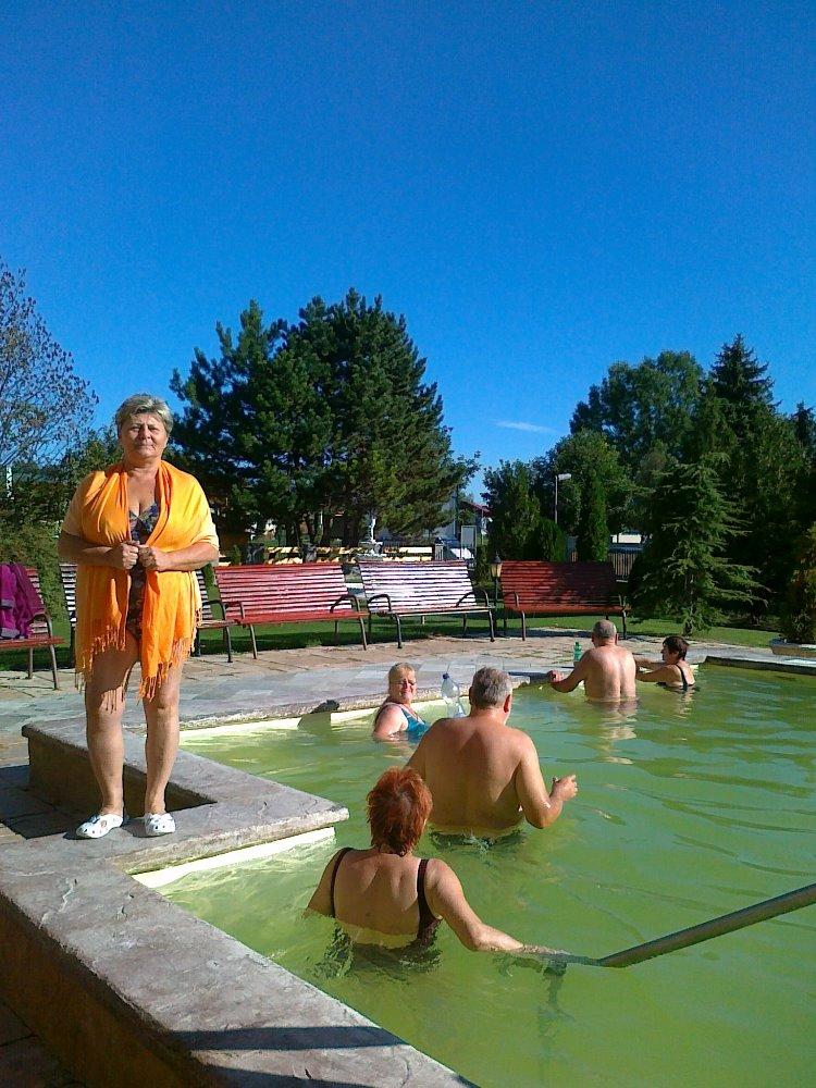 zdena u bazénku